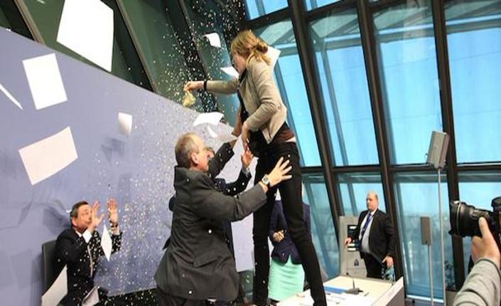 Draghi e coriandoli