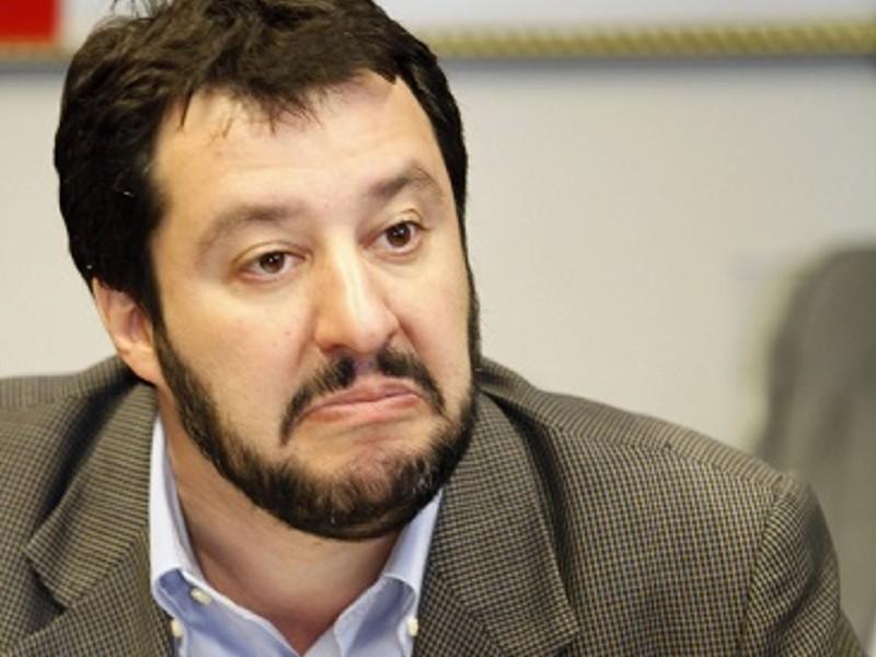 Salvini, la politica della ruspa e il nulla cosmico