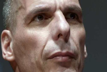 Tsipras depotenzia Varoufakis