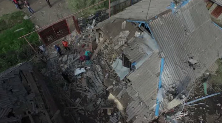 (Video) Kiev bombarda Gorlovka, 3 morti