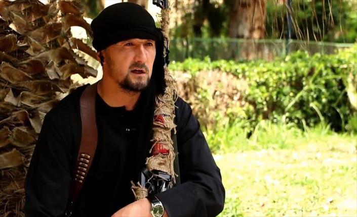 Excomandante della polizia del Tagikistan, colonnello Gulmurod Khalimov, addestrato in USA, in un fermo immagine del video con cui chiama a raccolta reclute per la jihad