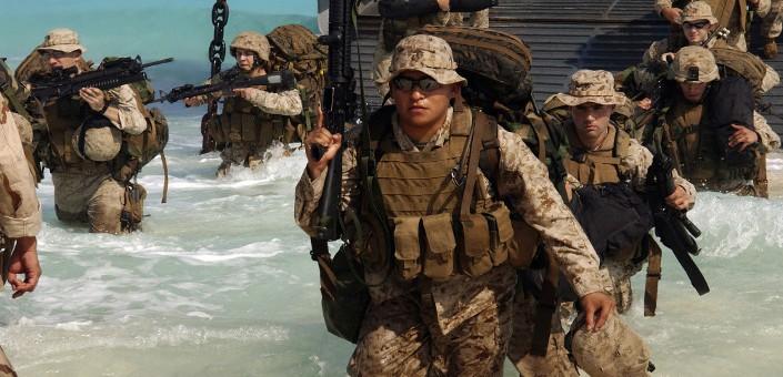I Marines sono a corto di mezzi da sbarco e quindi pensano di chiedere spazio sulle navi degli alleati nei teatri europeo ed africano