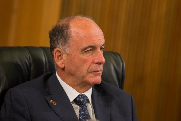 Vergogna Valdaosta, il presidente non vuole migranti