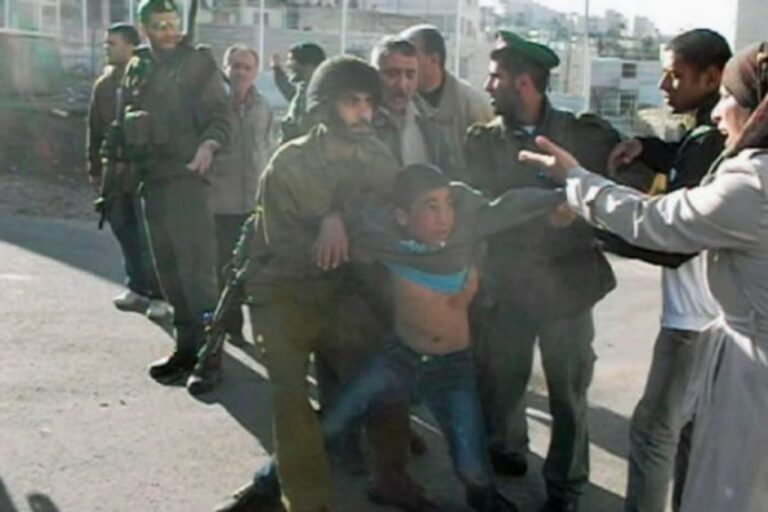 Israele arresta cinque bambini palestinesi al giorno