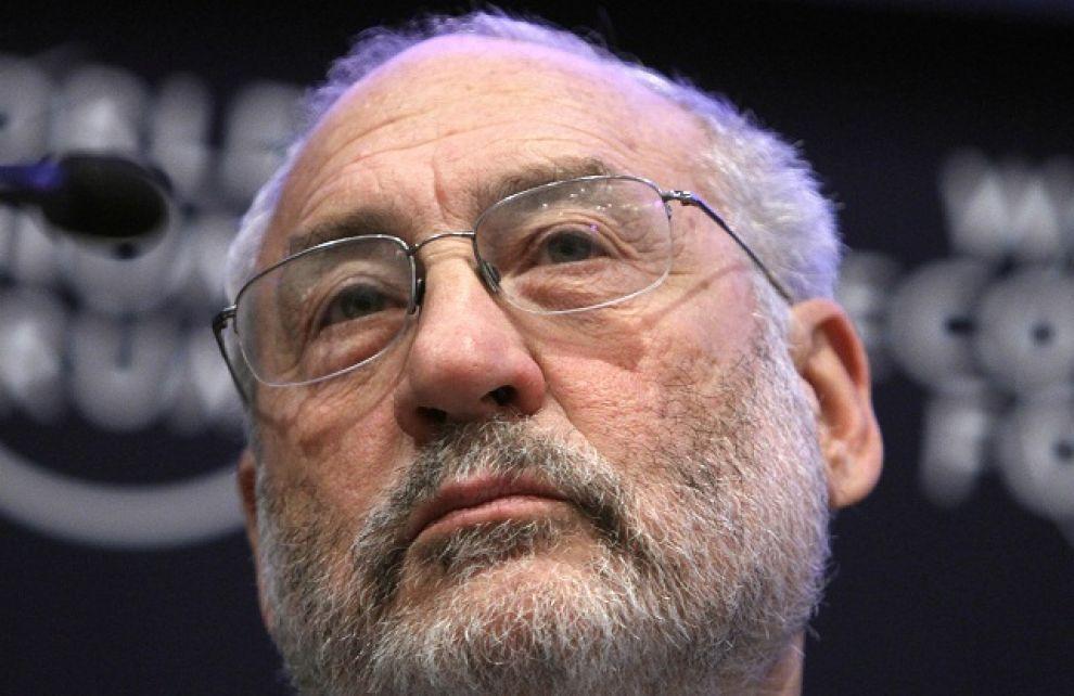 """Stiglitz: """"Il piano della troika è un regalo agli oligarchi"""""""