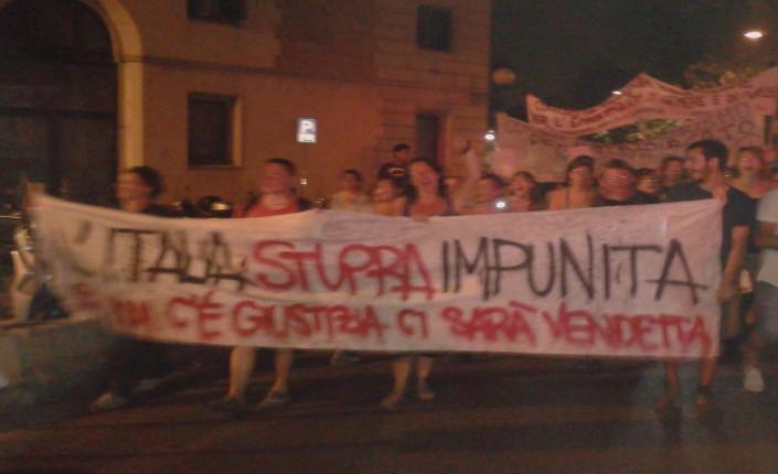 2015-07-28 Firenze manif contro sentenza stupro