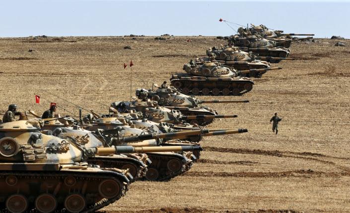 Turchia: carri armati turchi al confine siriano
