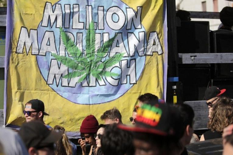 Liberate cannabis!