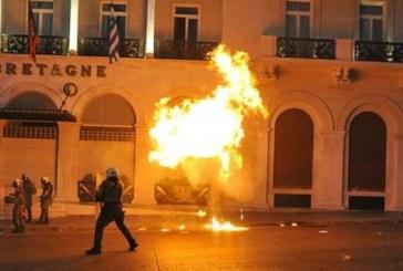 Tsipras fa il riformista con chi ha rovinato la Grecia