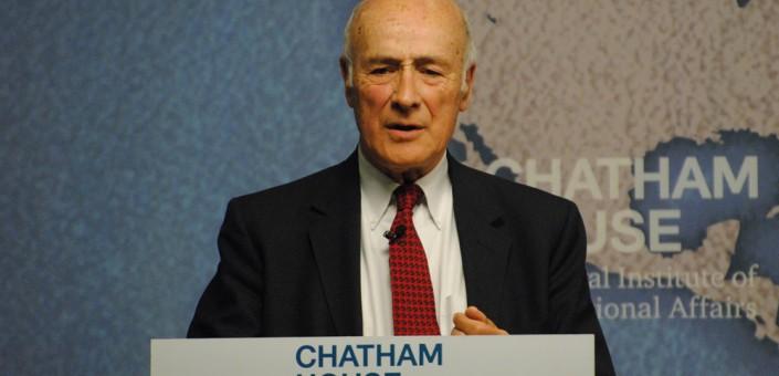 Joseph S. Nye, professore all'Università di Cambridge, già consulente per la difesa e l'intelligence di Washington