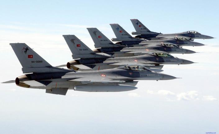 Turchia, forza aerea, F16 in volo