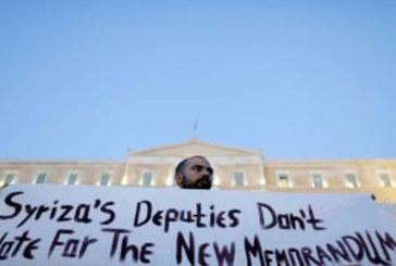 Grecia, Tsipras perde pezzi