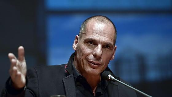 "Varoufakis: ""Io accusato di tradimento? Sarebbe interessante"""