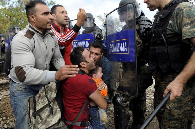 """Macedonia, Gevgelija è l'enclave della """"fortezza Europa"""""""