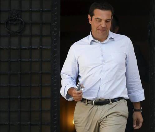 Tsipras: altro che congresso, mi dimetto e si vota subito