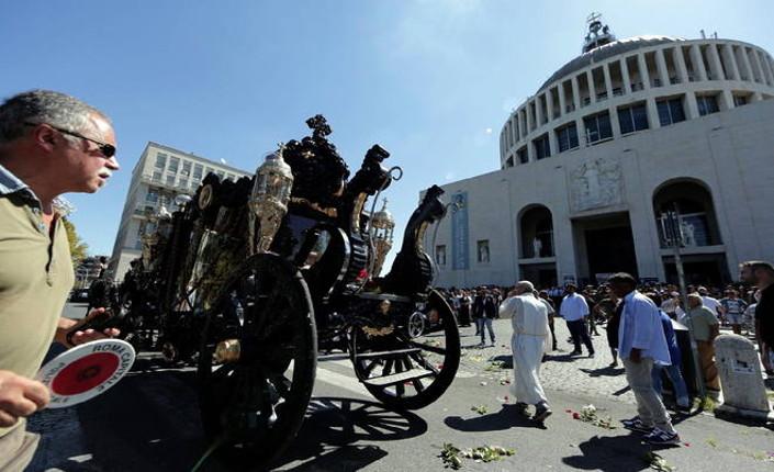 Casamonica: i funerali del disprezzo