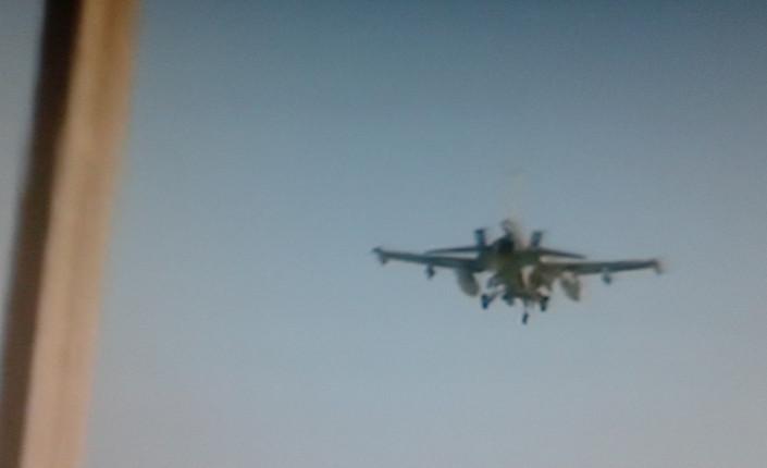 Diyarbakir: aereo militare turco sorvola la piazza mentre era in corso la manifesazione dei curdi