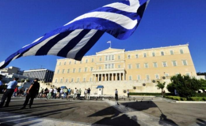 ok Grecia-il-Parlamento-approva-le-riforme-della- 15 08 14_c
