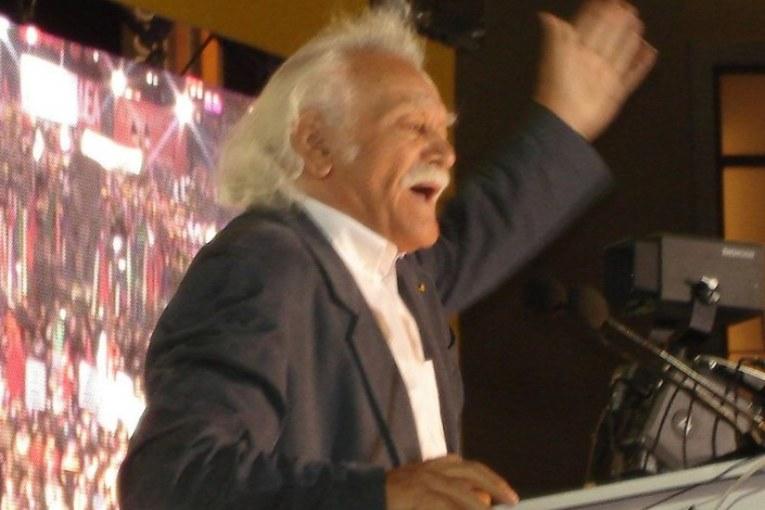 Grecia, Manolis Glezos in lista con Unità Popolare