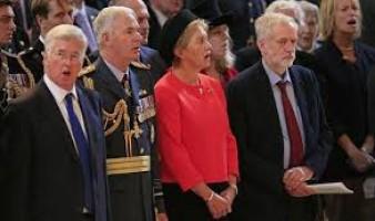 Scandalo a corte, Corbyn non canta l'inno nazionale
