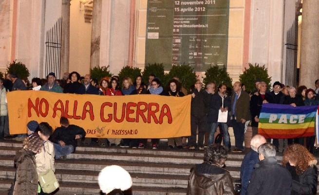 Genova, contro la guerra, armati di silenzio