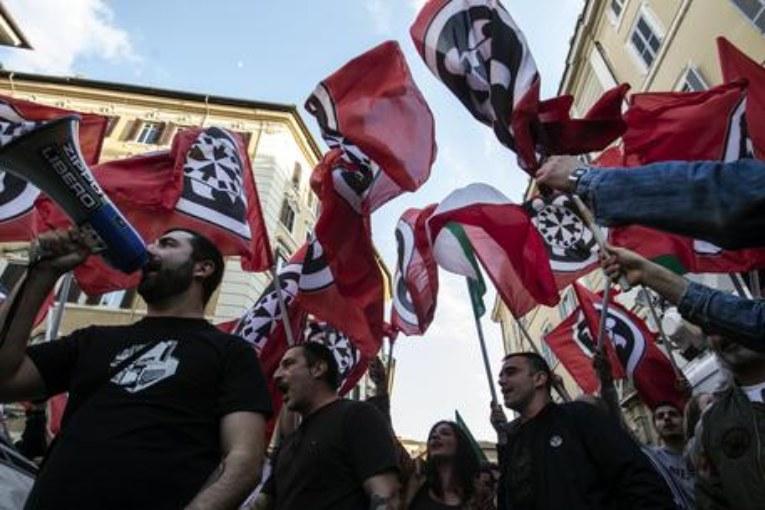 Aosta, marocchini picchiano uno di Casapound