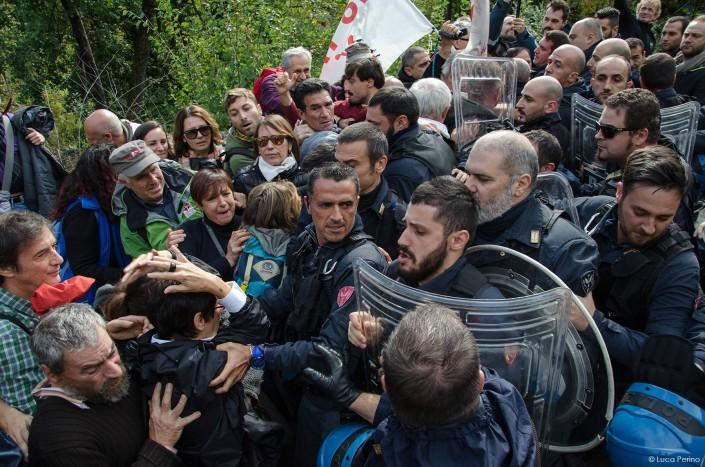 No Tav ed europarlamentari, vietato passeggiare in Clarea