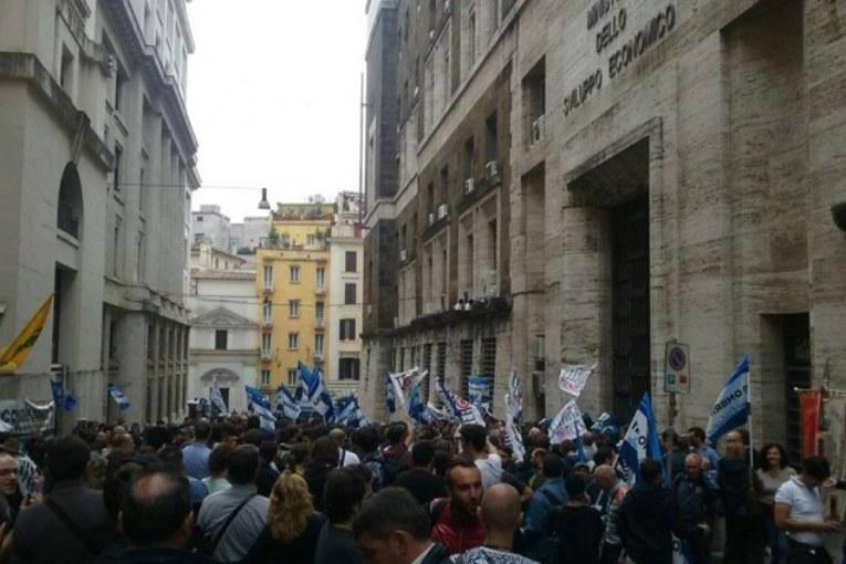No Triv, l'Adriatico sbarca a Roma