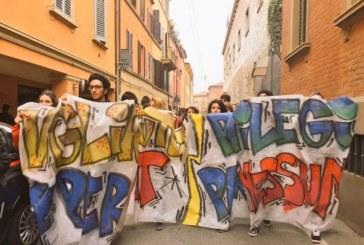 Studenti in piazza ovunque. A Roma la questura prova a vietare corteo