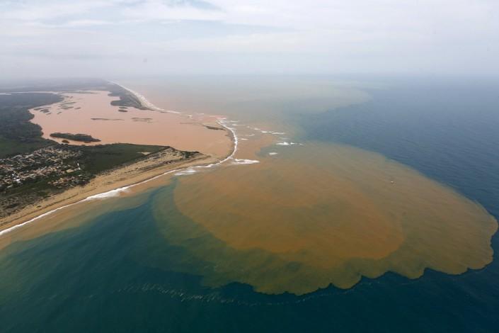 La marea tossica nell'Oceano Atlantico