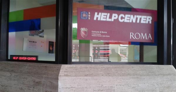 """Stazione Termini, la sicurezza """"sfratta"""" l'help center per i poverissimi"""