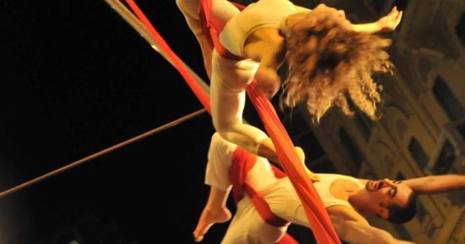 Genova, è arrivato il circo liquido
