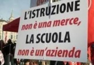 Burocrazia e salario nella scuola italiana