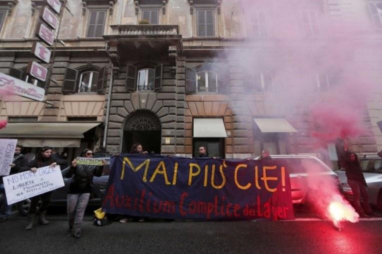 LasciateCientrare: dignità e libertà per chiunque arrivi in Europa