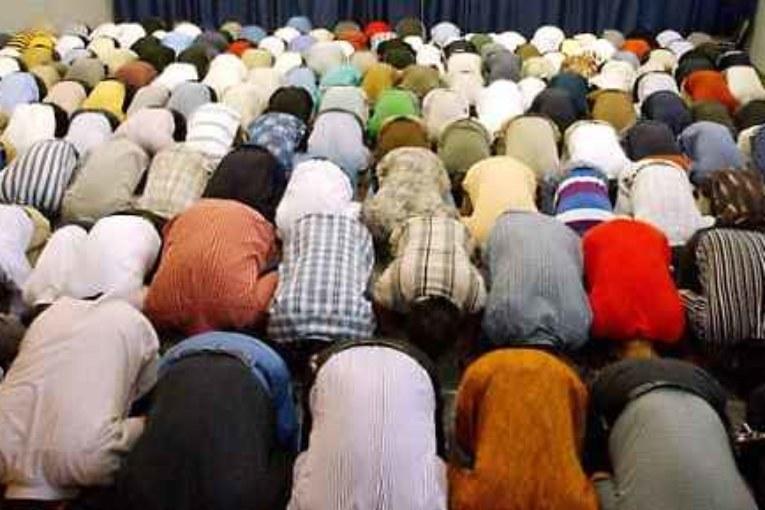 Bocciata la legge anti-moschee di Maroni