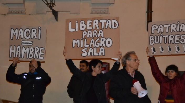Roma: protesta contro Macri. Libertà per Milagro Sala