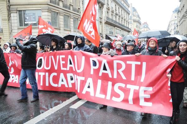Francia, rompere lo stato di emergenza si deve