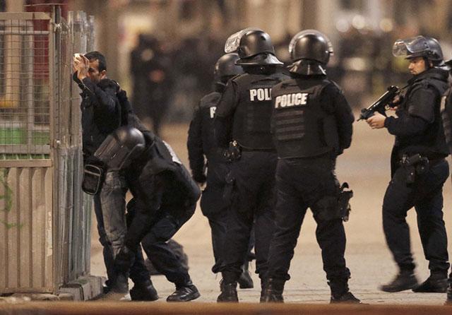 Francia, abusi senza fine dello stato d'emergenza