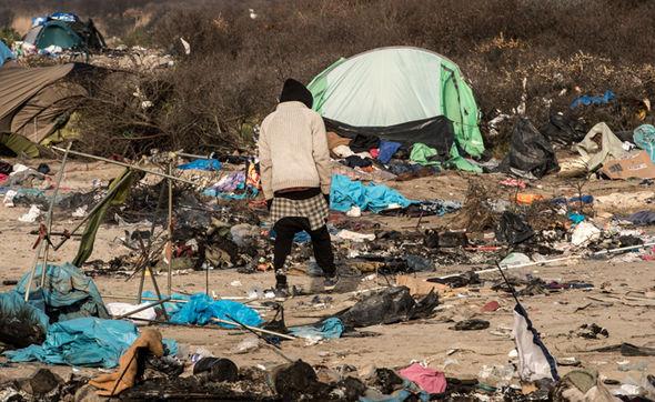 Calais-jungle-migrant-camp-476103