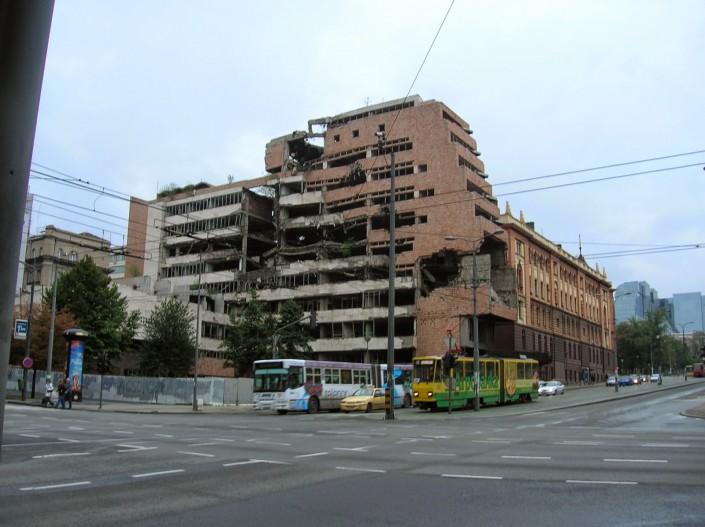 """17 anni fa, il terrore """"nostro"""" contro la Jugoslavia"""