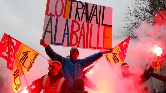 Francia, il successo dello sciopero generale