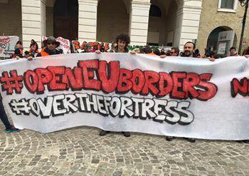 Idomeni, la solidarietà di #overthefortress
