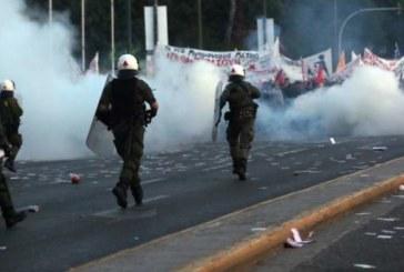Grecia, Tsipras taglia le pensioni, la polizia spacca le facce