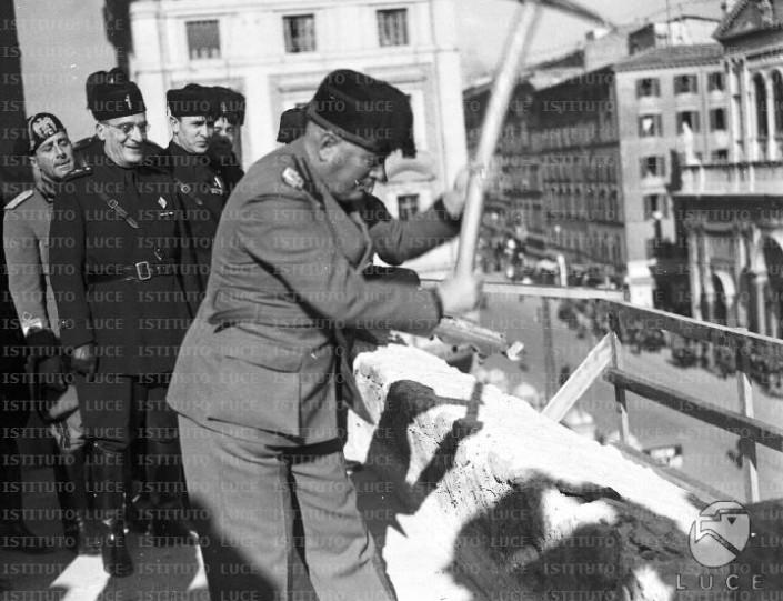 Marchini stai sereno: Mussolini non fu un urbanista. E tu non sarai sindaco