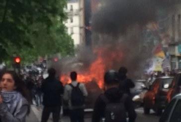 Parigi, polizia in piazza: nessuno ci vuole bene. E poi giù botte