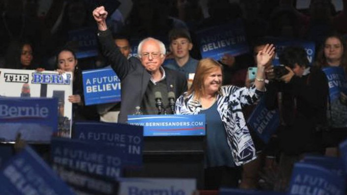 Bernie Sanders vince a sorpresa in Indiana: «Non è finita ancora!»