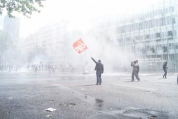 Parigi, gli adoratori di vetrine e i lavoratori trasparenti