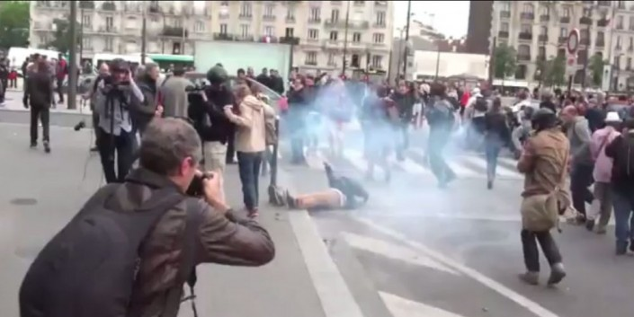 Francia, giornalista in coma. Ecco il video che inchioda la polizia