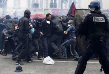 Hollande forte coi deboli, debole con i forti
