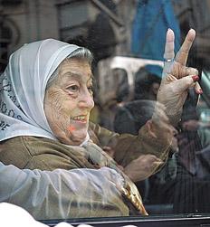Argentina, annullato l'arresto per Hebe de Bonafini